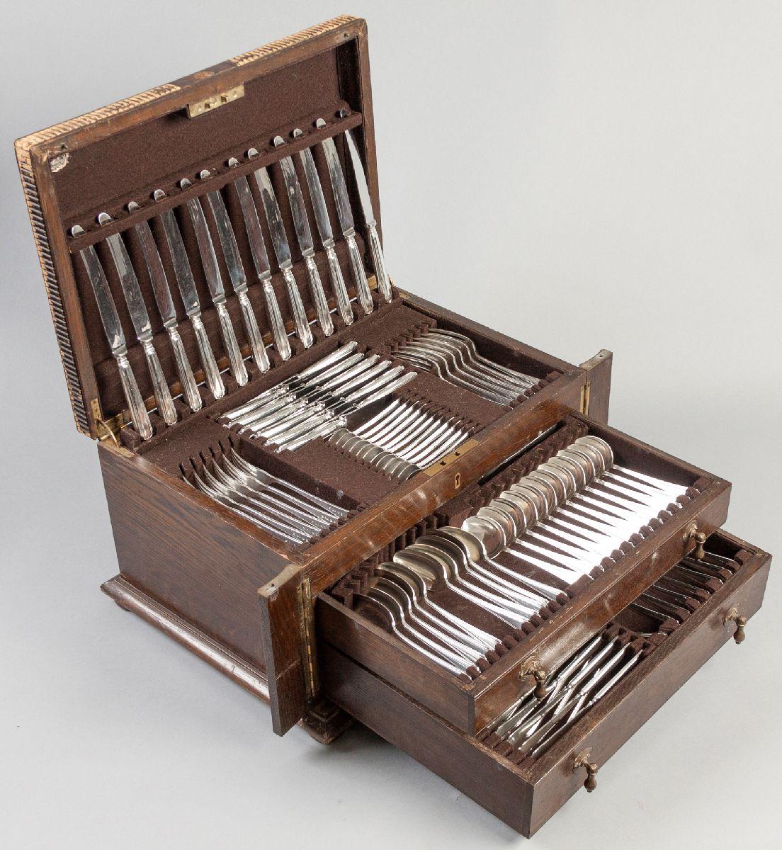 Lot 41 - A TWELVE PLACE SILVERPLATE CUTLERY SET, comprising: of 12 dinner knves, 12 dinner forks, 12 salad