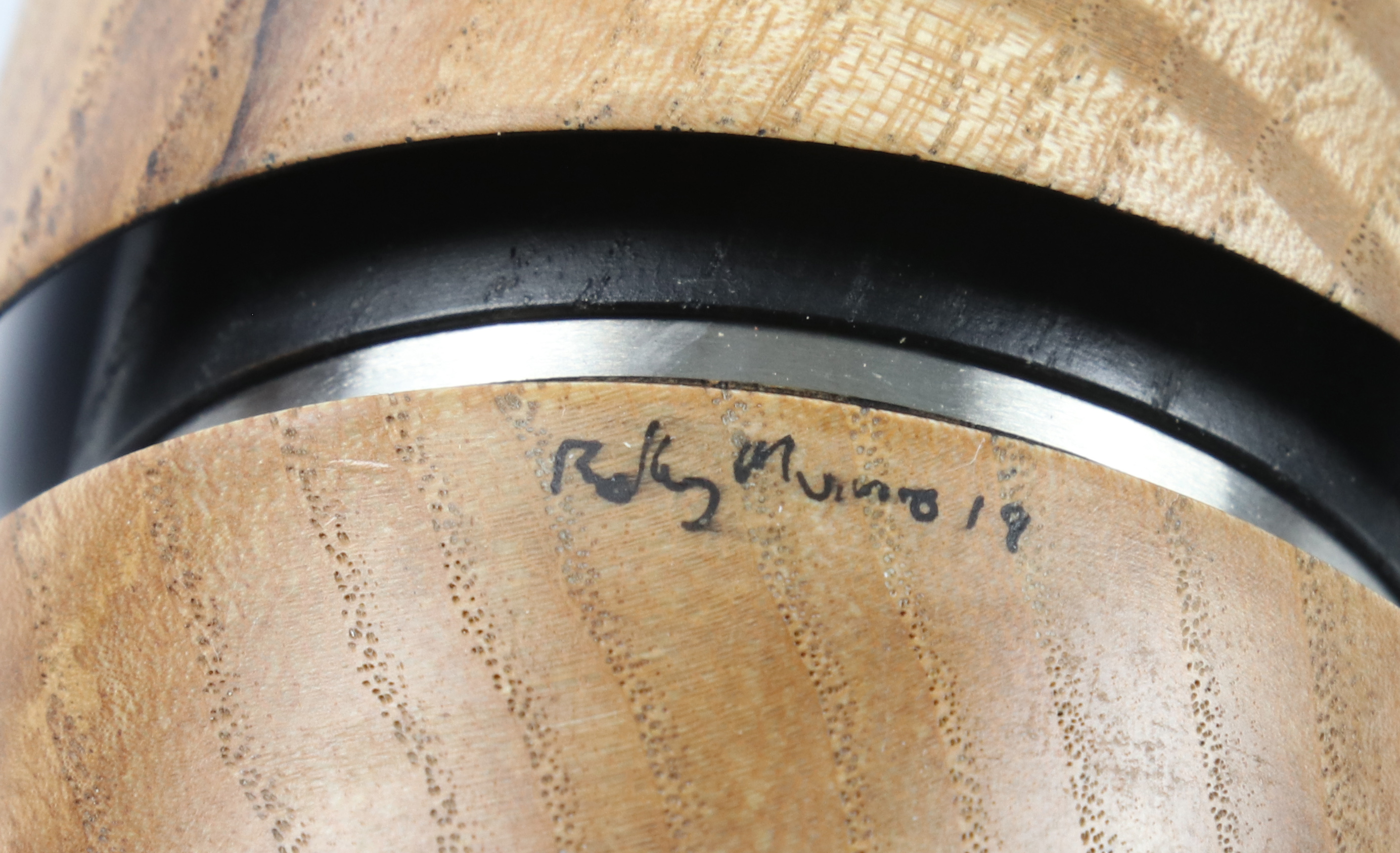 Lot 100 - Rolly Munro (New Zealand) ash reconstructed bowl 3x18cm. Signed