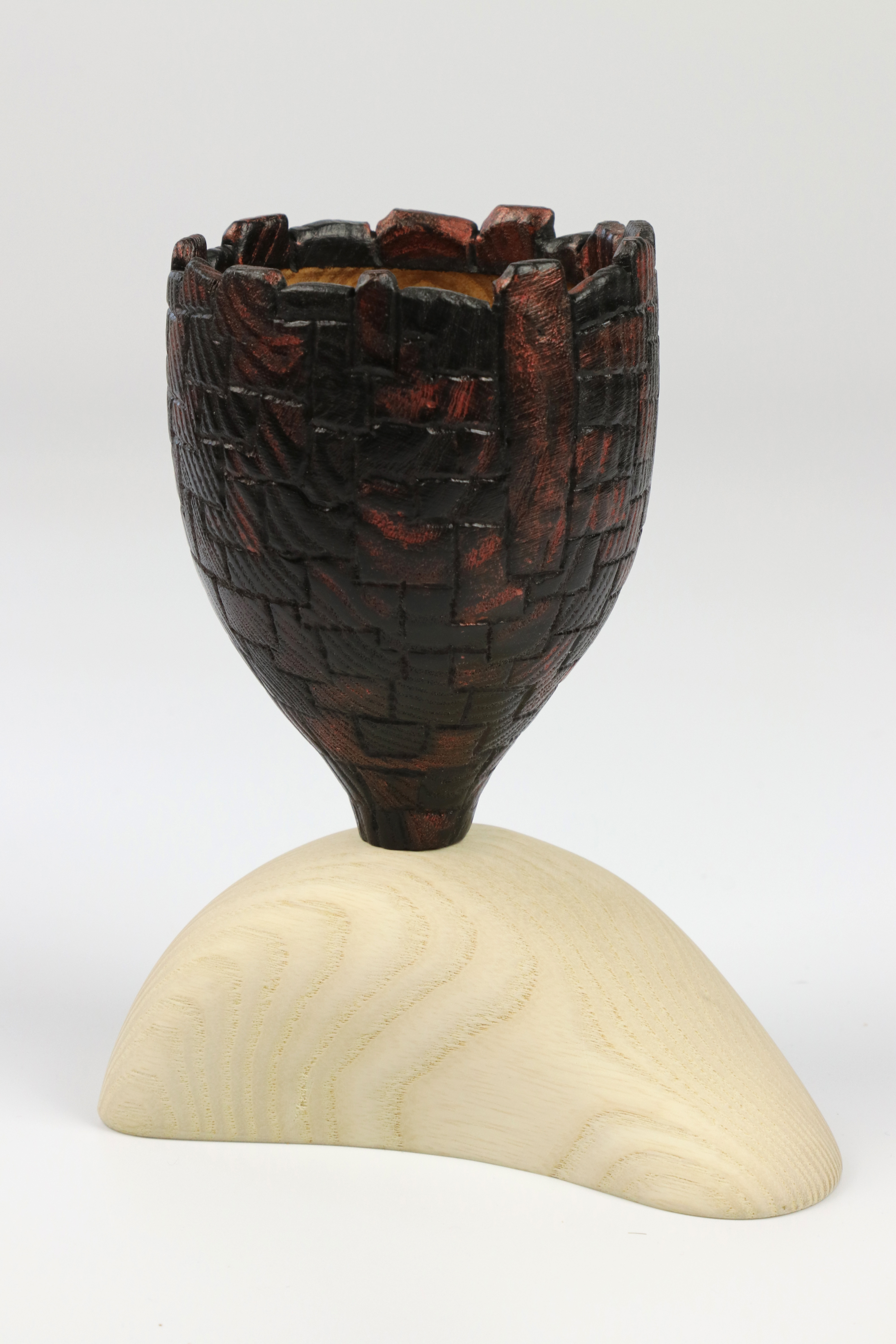 Lot 98 - Robert O'Connor (Ireland) carved and coloured ash vessel 13x11cm. Signed