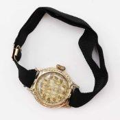 DamenarmbanduhrGG 585, rundes Gehäuse, Dca.2,1cm, Lünette mit relifierten Zweigdekor, goldfarbenes