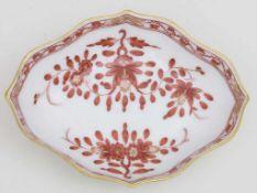 Schälchen / A small bowl, Meissen, um 1930Material: Porzellan, weiß, in Rottönen bemalt und