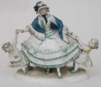 Figurengruppe 'Mutter mit zwei Mädchen' / A figural group of a mother with two girls, Anton