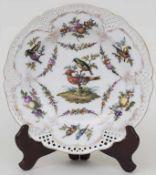 Korbrandteller mit Vogeldekor / A basket rim plate with birds, KPM, Berlin, um 1900Material: