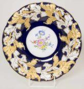 Prunkteller mit Blumen / A plendid plate with flowers, Meissen, 20. Jh.Material: Porzellan,