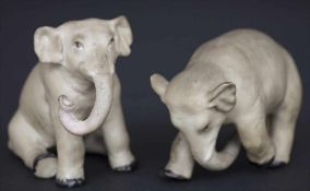 2 spielende junge Elefanten / 2 young elephants playing, wohl Thüringen, Ende 19. Jh.Material: