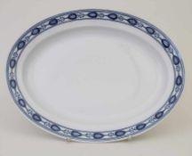 Ovale Platte / An oval plate, Meissen, 19. Jh.Material: Porzellan, blau bemalt, glasiert,Marke: