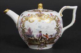 Teekanne mit Kauffahrtei-Szenen / An early tea pot with harbor scenes, Meissen, ca. 1740-