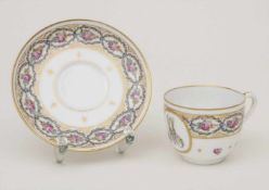 Mokkatasse u. UT mit Monogramm AM / A demitasse and saucer with monogram AM, Manufacture de la