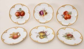 6 Teller mit Früchtemalerei / A set of 6 plates with fruits, KPM, Berlin, um 1900Material: