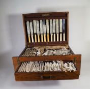 A 20th century oak cased canteen of silver plated flatware and further silver plated flatware, (qty.