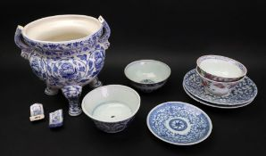 Two Chinese blue and white bowls, Ming dynasty, 17th century, one painted with lotus,