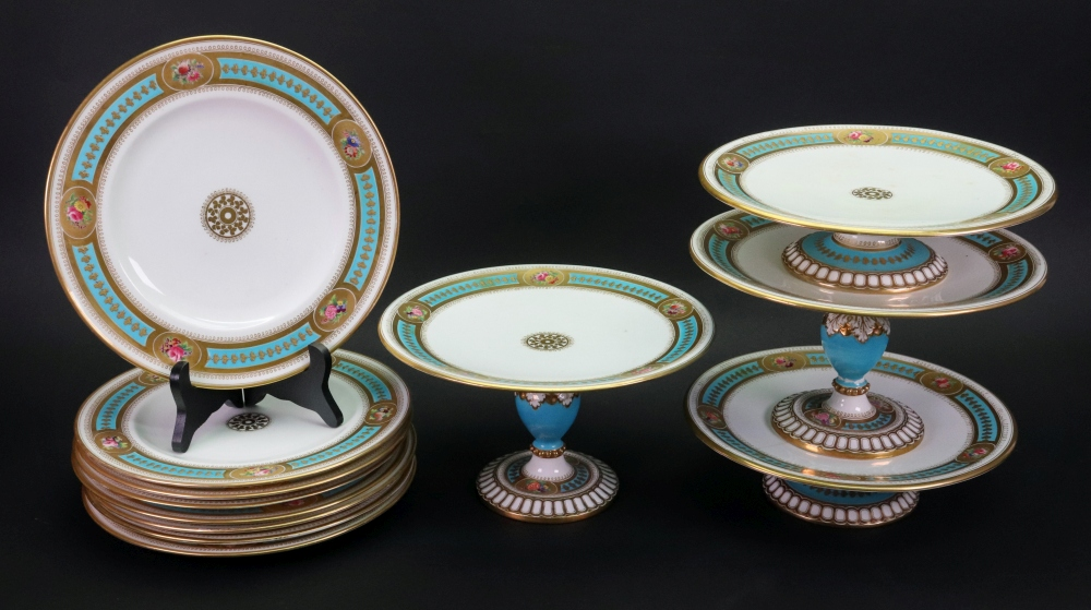 Lot 68 - An English porcelain dessert service, circa 1880,