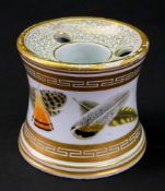 A Worcester porcelain inkwell, circa 1800-1810, of capstan form,