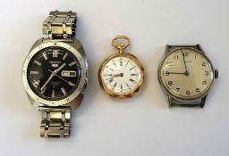 A Seiko 5 Automatic steel cased gentleman's bracelet wristwatch,