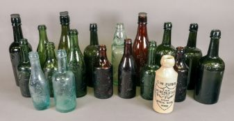 A collection of sixteen vintage glass wi