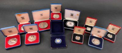 United Kingdom, 1977 silver crown x 4, 1982 silver twenty pence, 1981 silver crown,