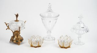 A modern Thomas Goode crystal sweetmeat vase and cover, 29cm high,