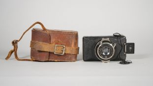 A ZEISS IKON KOLIBRI, 127mm roll film camera, 1930 - 1935, with Carl Zeiss Jena f3.