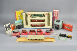 A Hornby Dublo train set; 2034, The Royal Scot passenger train, various wagons,
