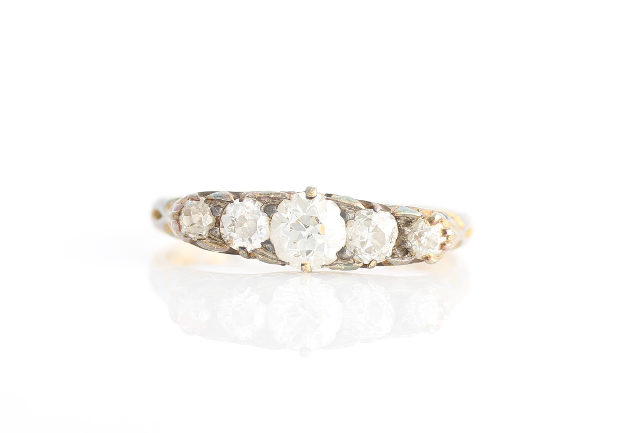 Lot 47 - A five stone diamond ring, set with five graduated old cut diamonds, total diamond weight approx.