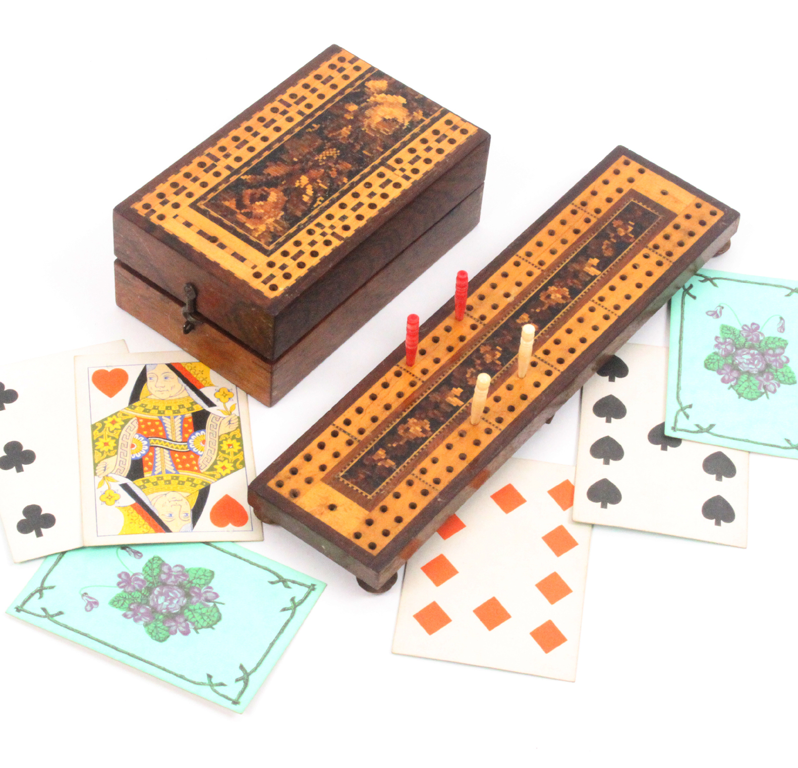 A Tunbridge ware rosewood card box and a cribbage board, the fist of hinged rectangular form with - Image 2 of 2