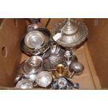 Lot 15 - Box of metal ware