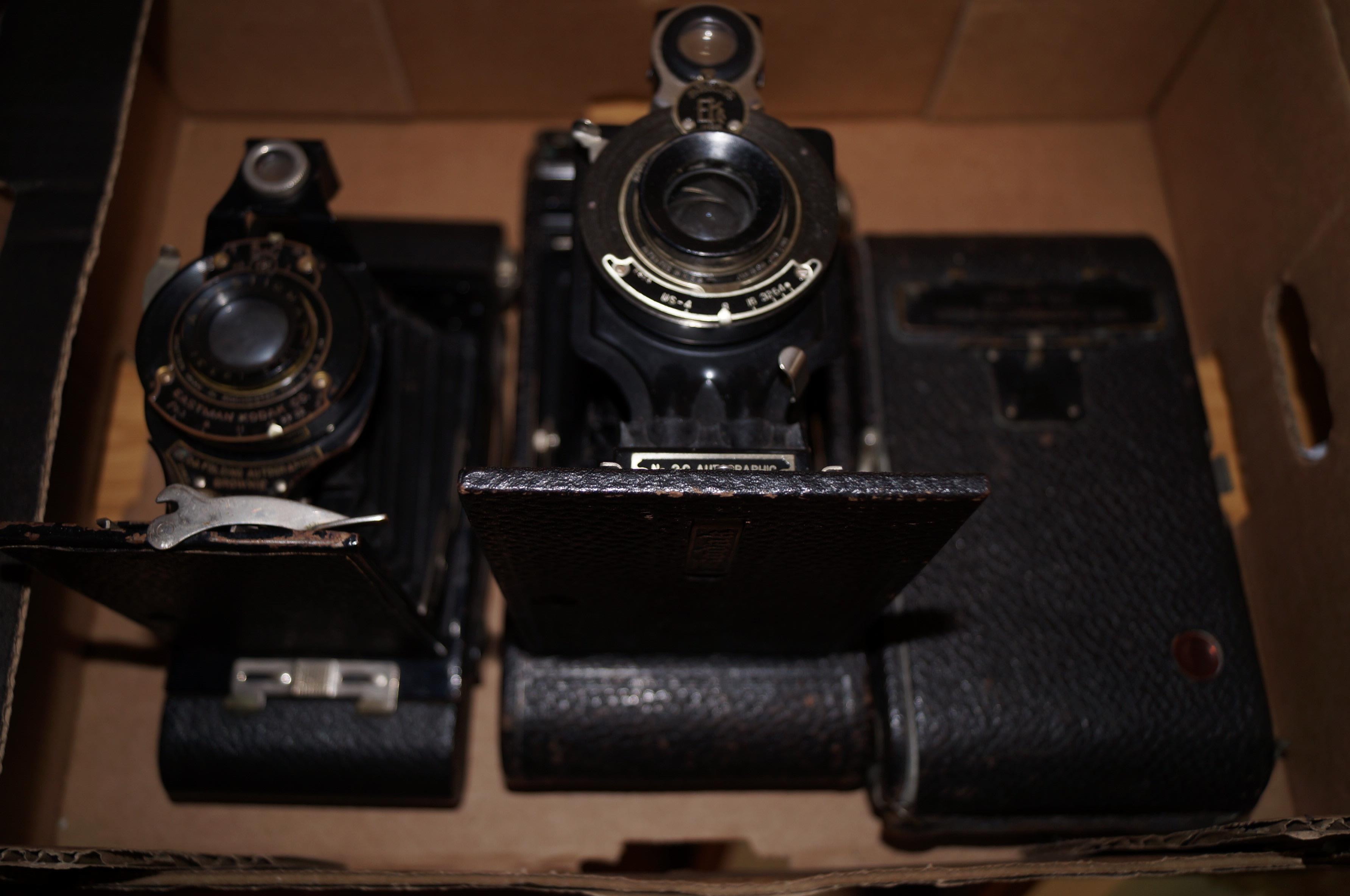 Lot 10 - 3 Vintage cameras