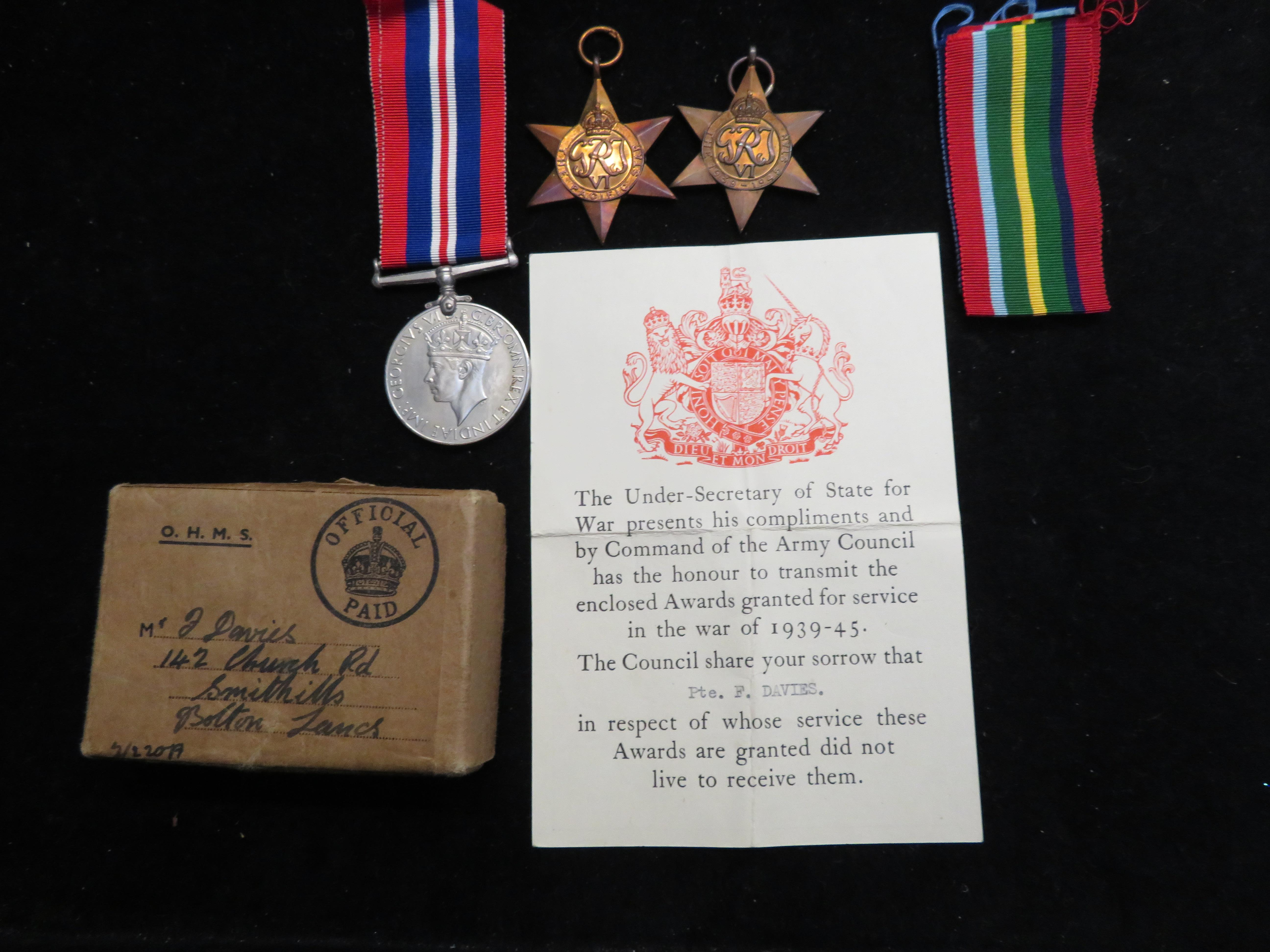 Lot 57 - Group of World War II medals- pacific star, 1939-1