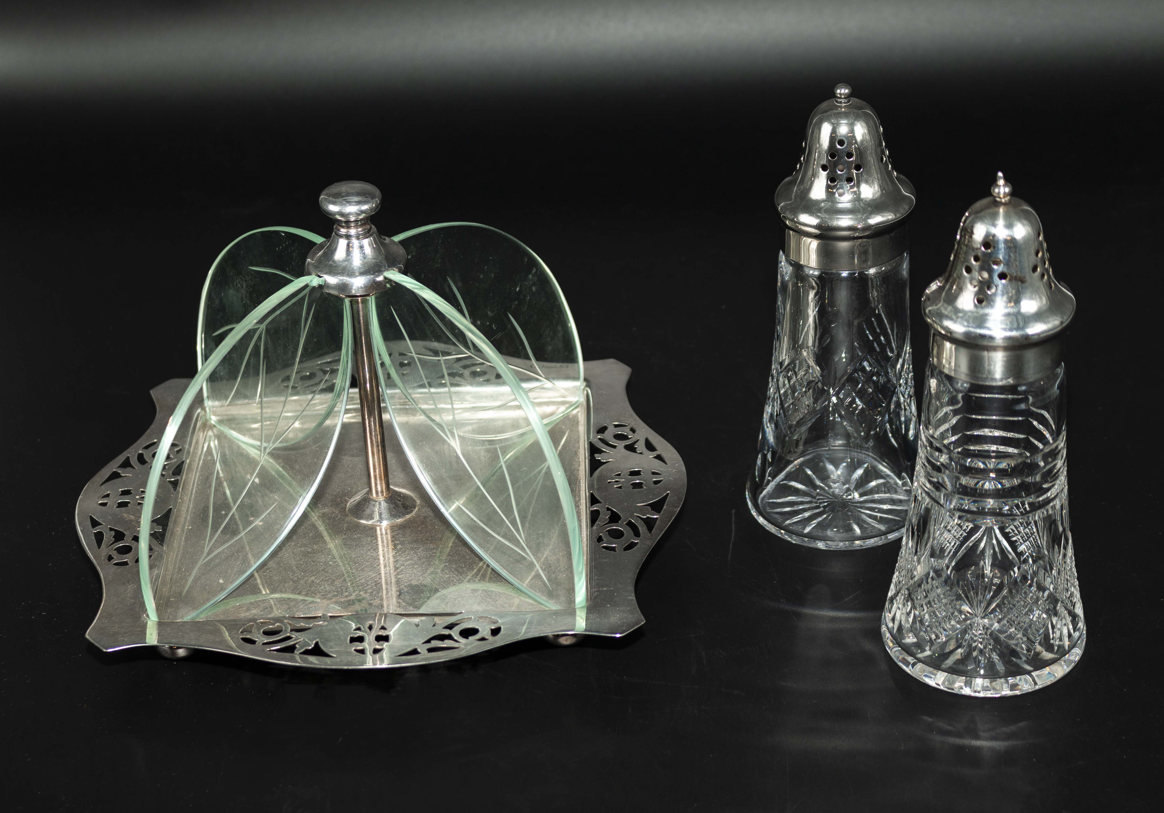 Lot 53 - A silver plated cake stand and a cruet