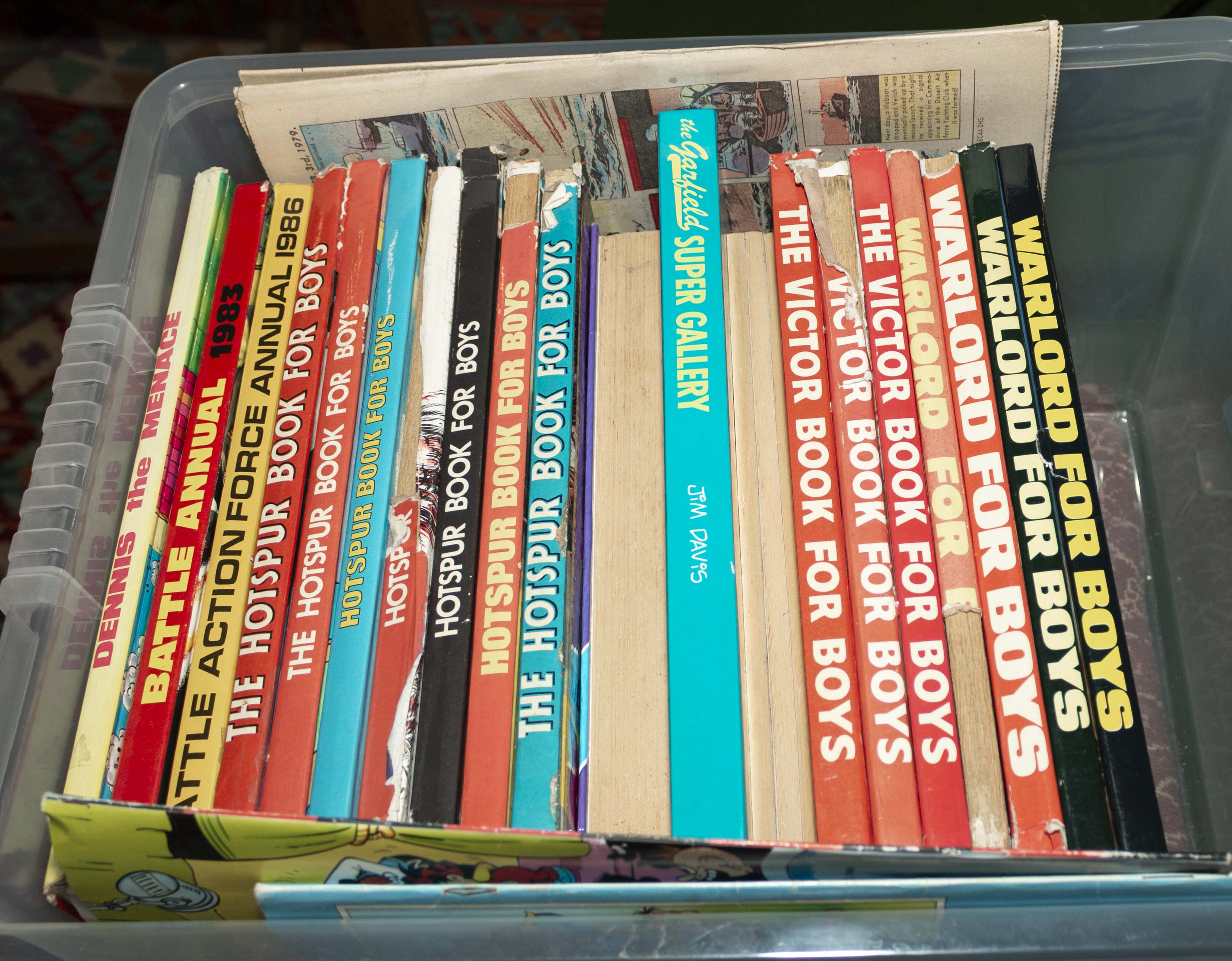 Lot 50 - A box containing children's annuals