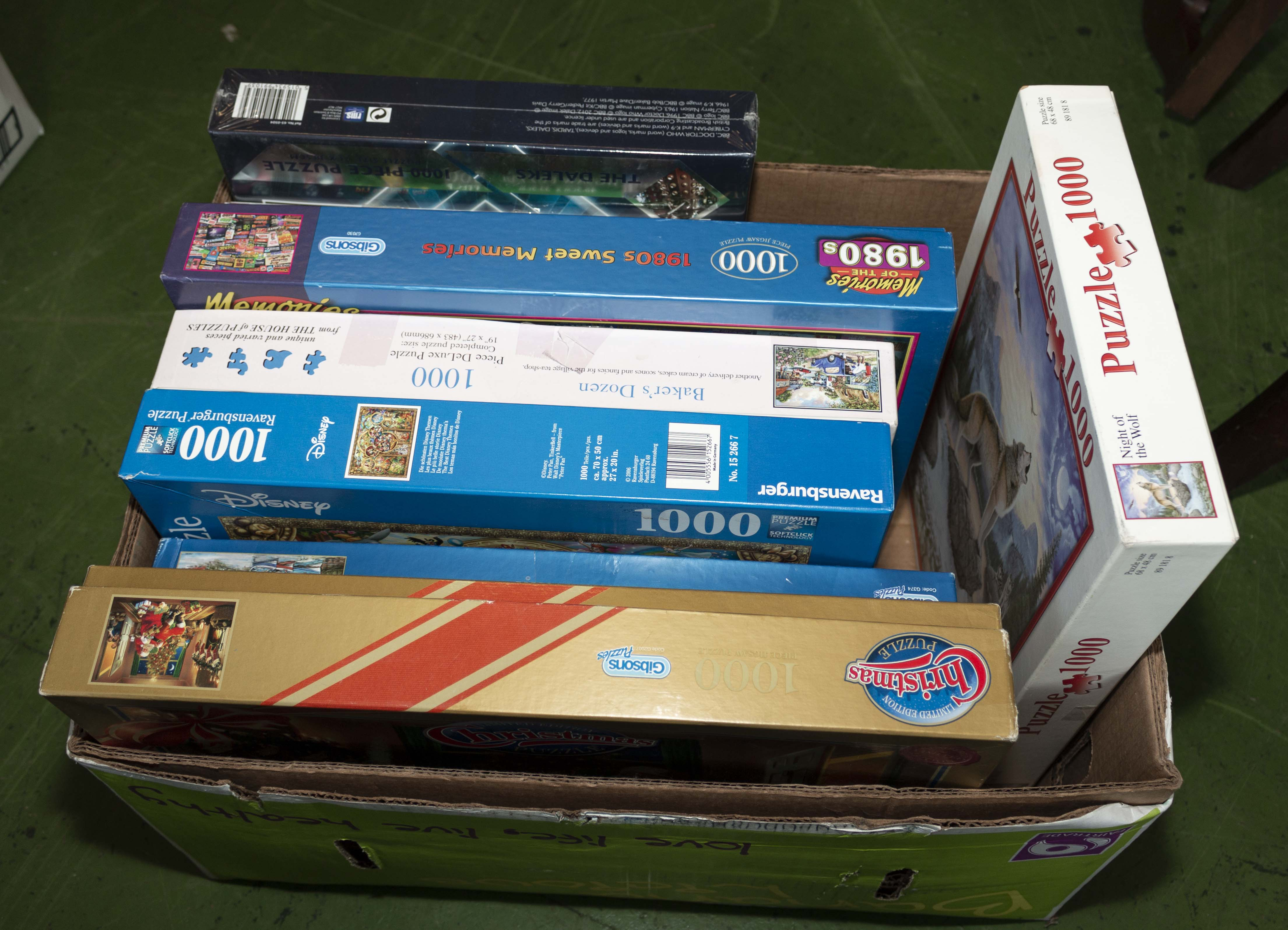 Lot 40 - A selection of jigsaws