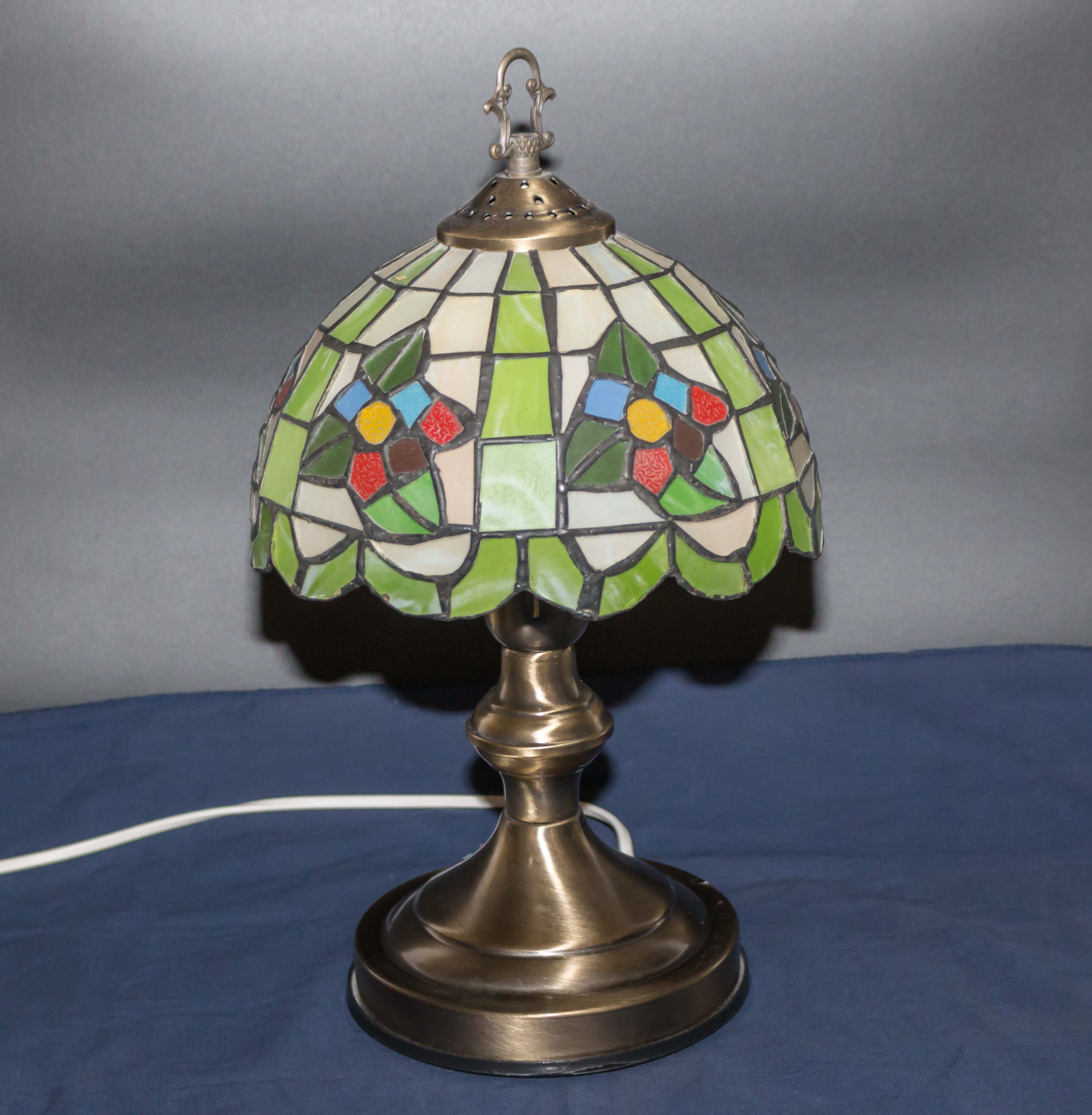 Lot 17 - A reproduction table lamp