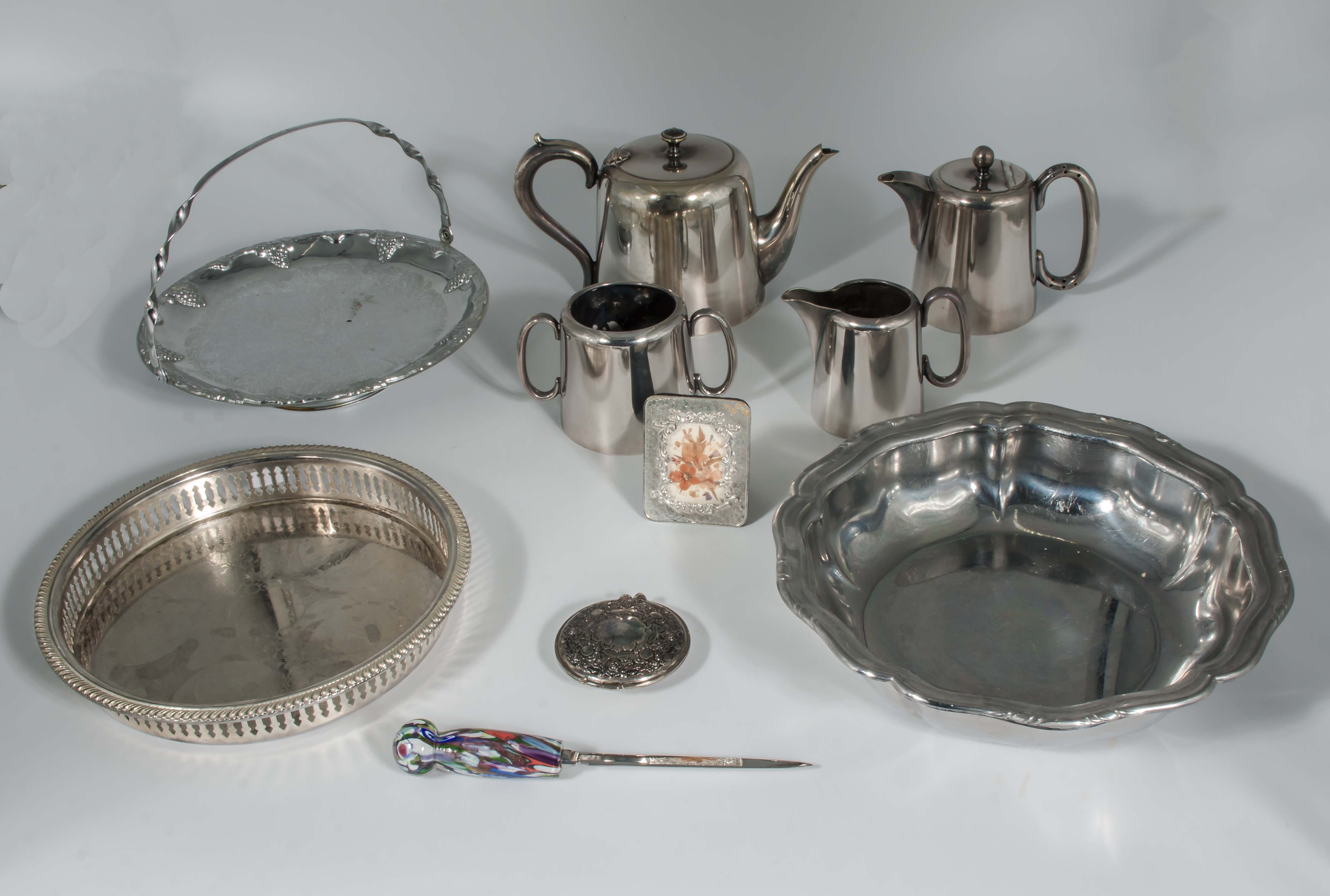 Lot 21 - A collection of silver plated items