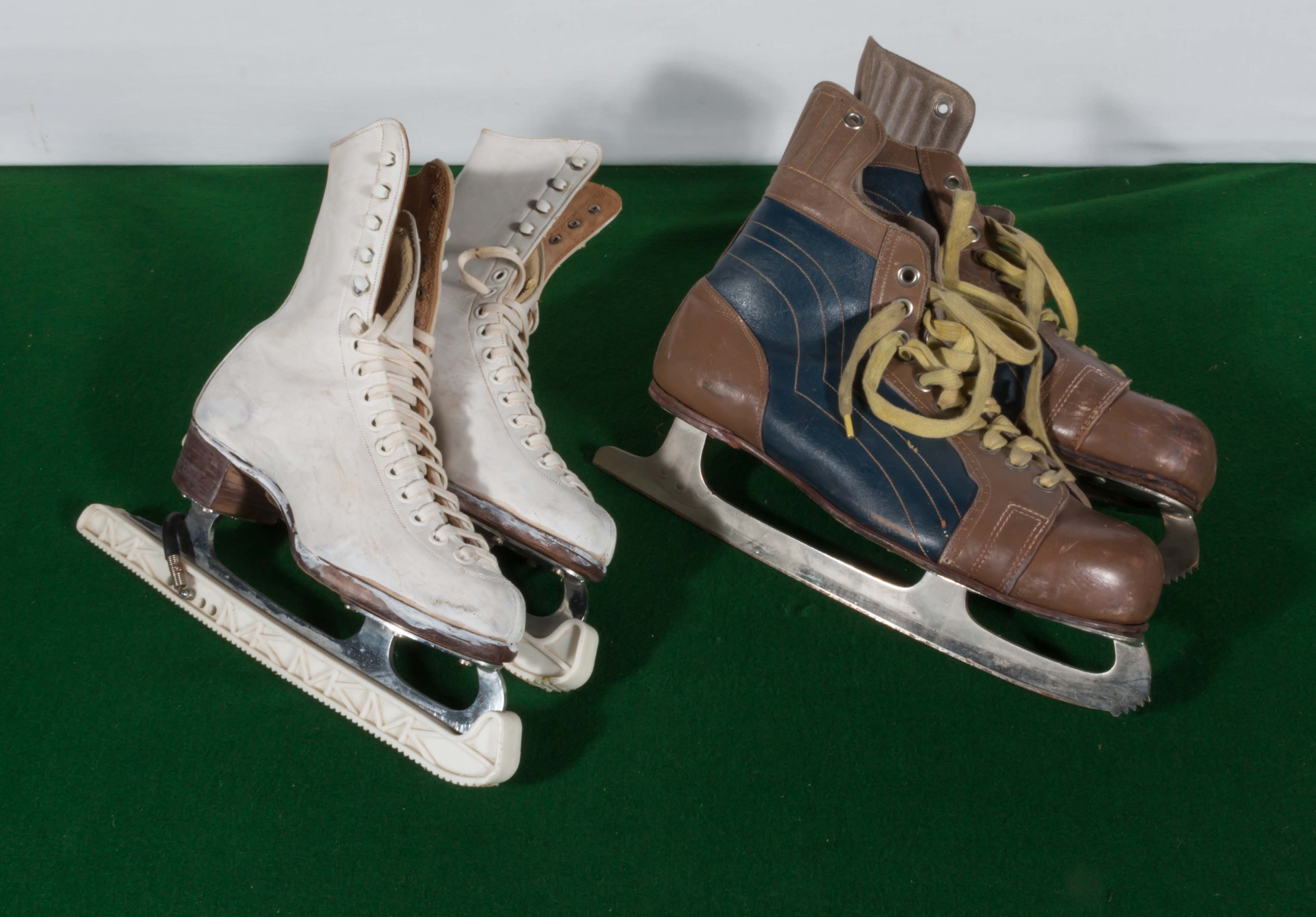 Lot 5 - A pair of gent's and lady's vintage ice skates