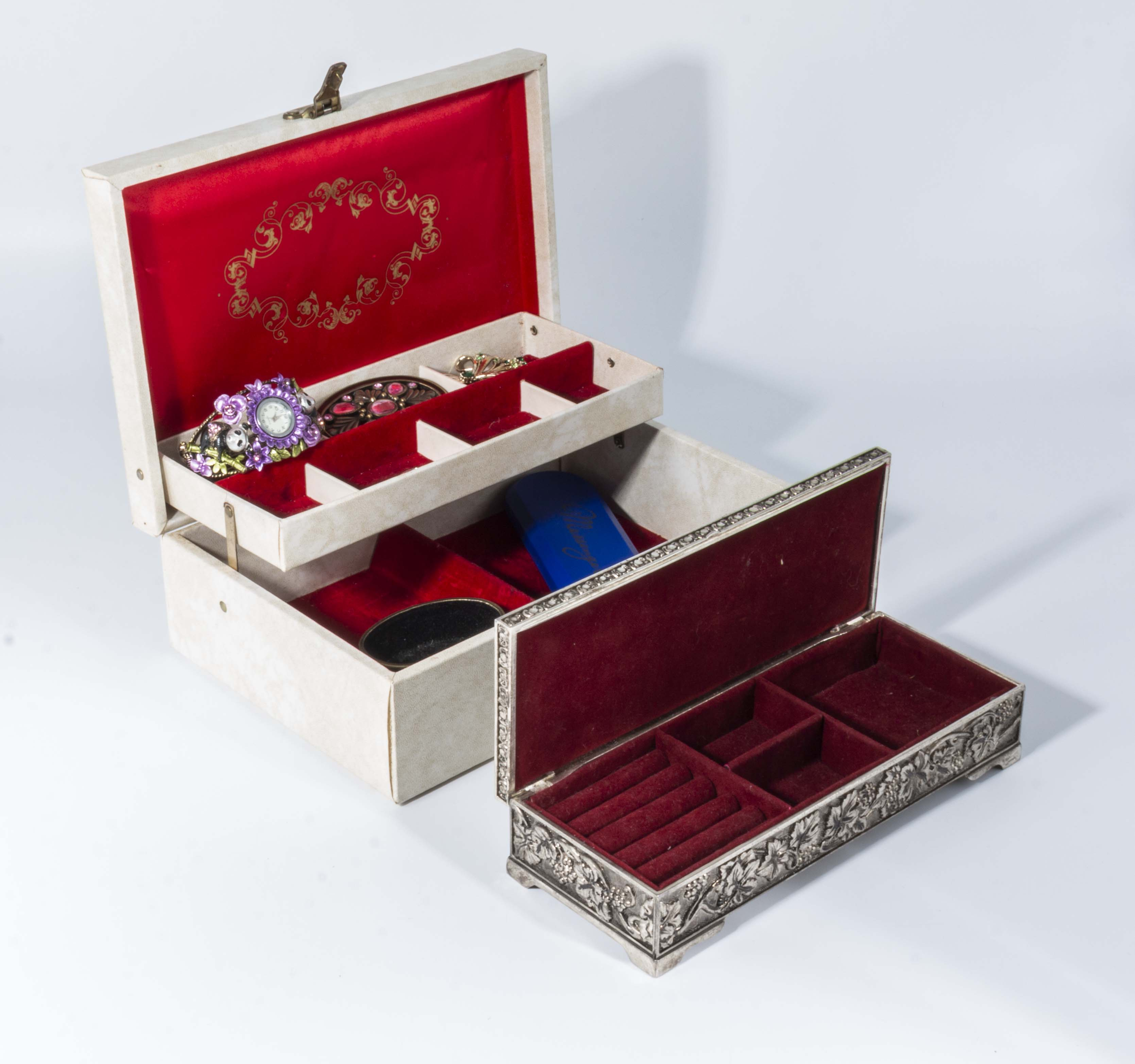 Lot 15 - Two jewellery boxes and a small amount of costume jewellery