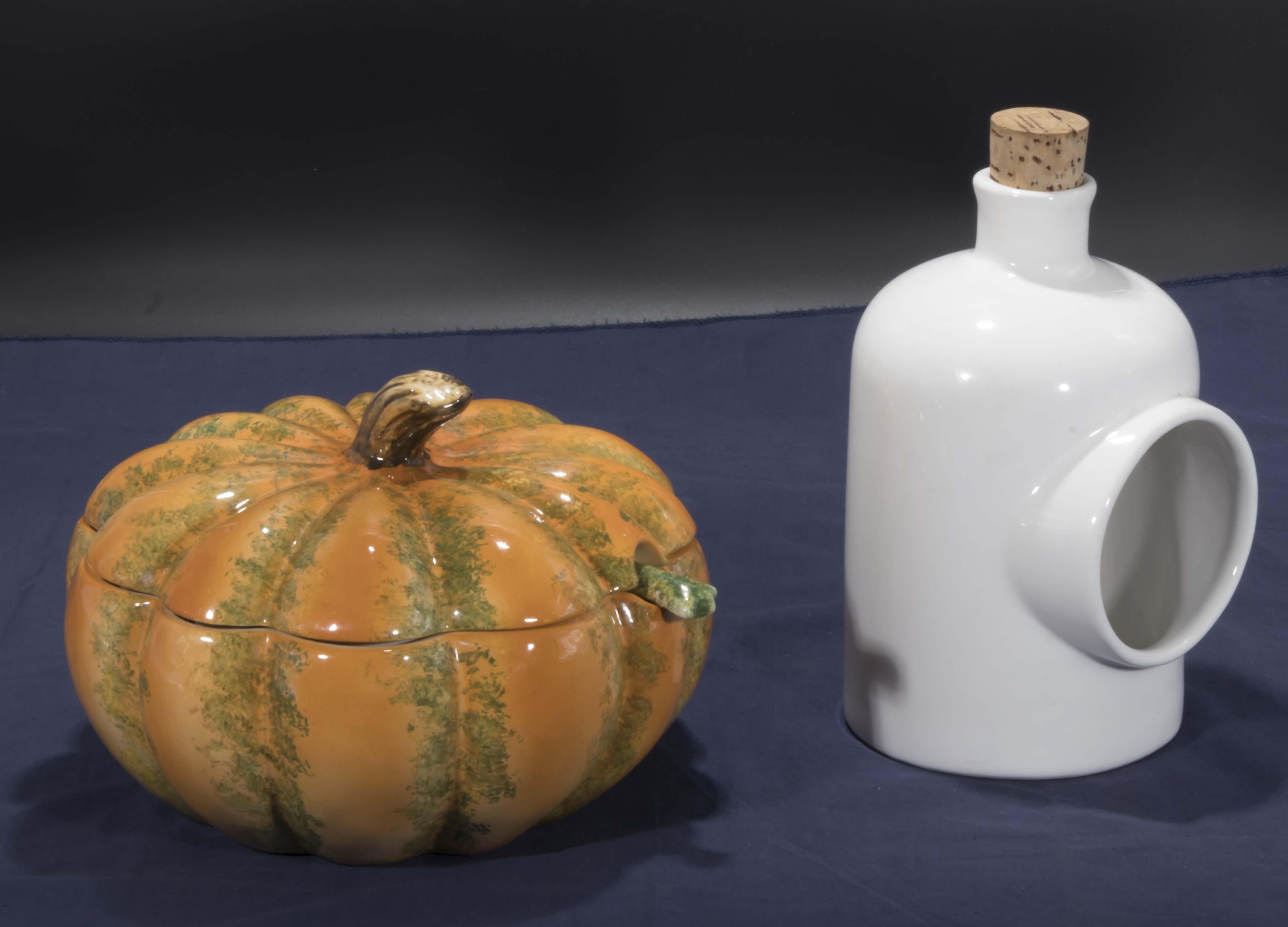 Lot 34 - A pumpkin soup tureen and a salt pig
