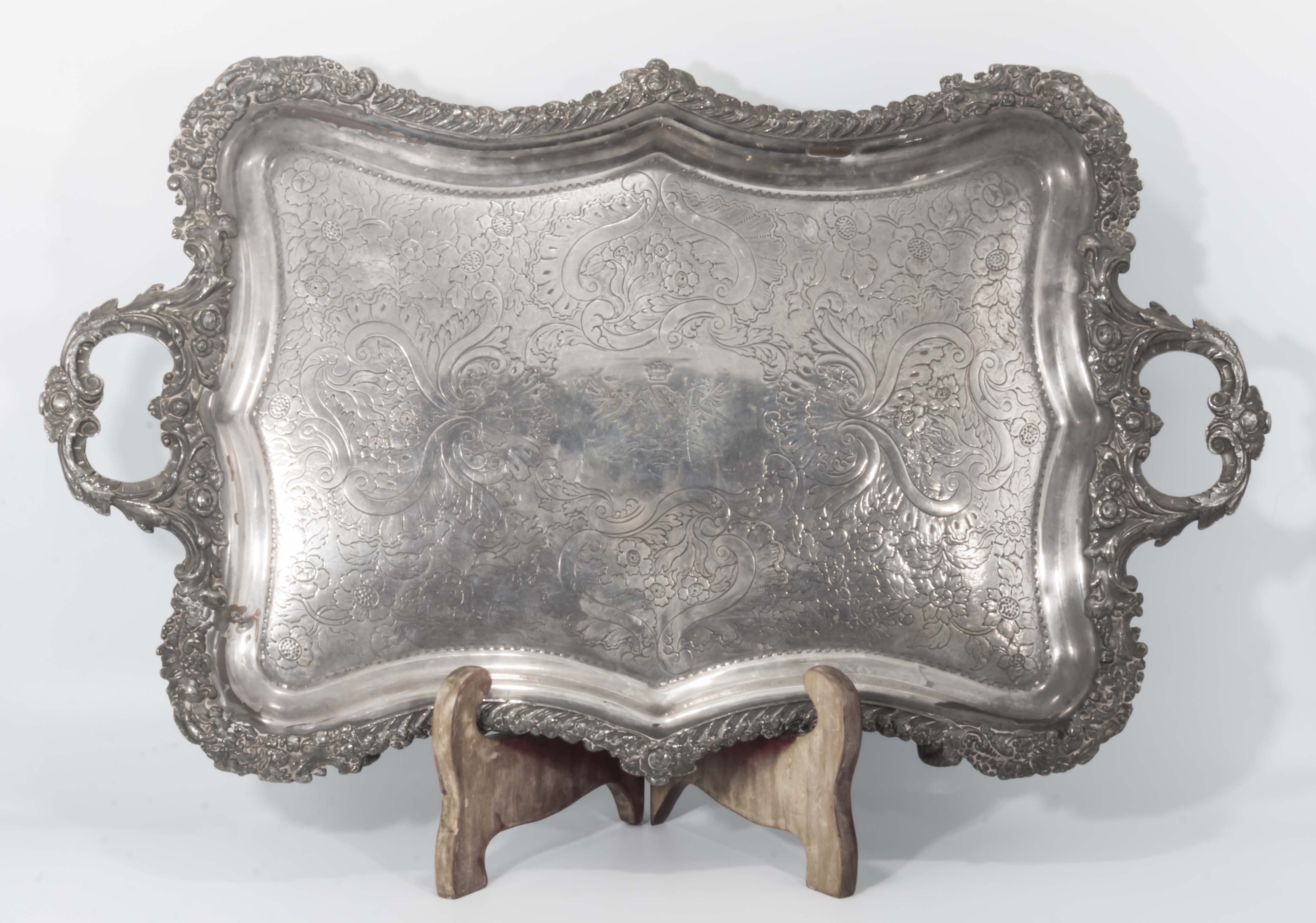 Lot 14 - A large Georgian Sheffield plated serving tray