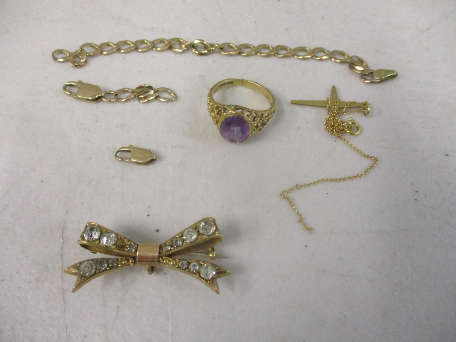 Lot 134 - 9ct Gold, yellow metal jewellery stamped 18ct and silver and other gold jewellery stamped 375, to