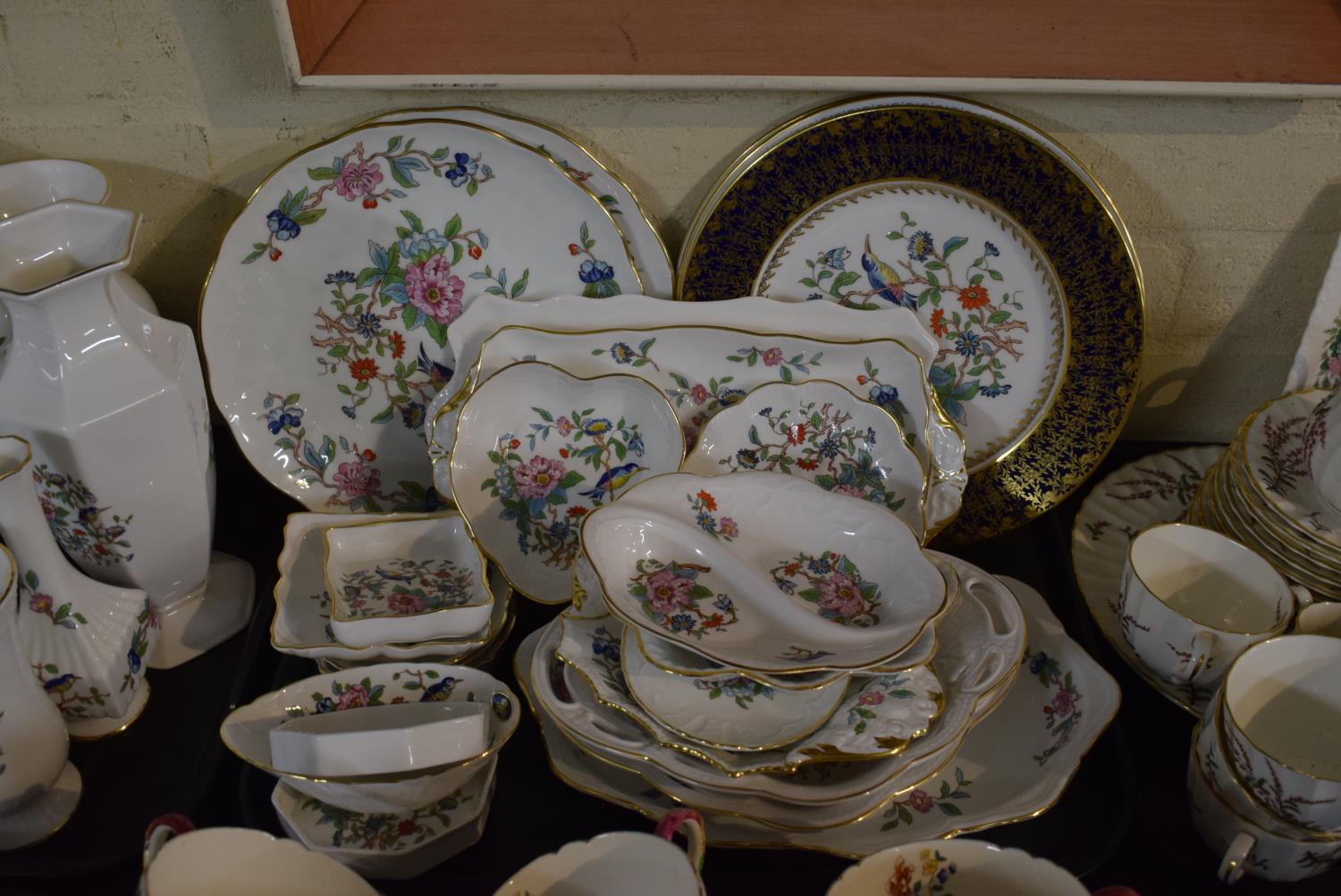 Lot 207 - A Tray Containing Large Quantity of Aynsley Pembroke Pattern Plates, Dishes, Pin Dishes, Trays etc