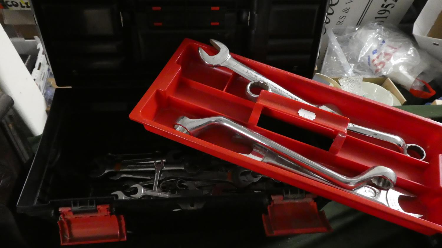 Lot 395 - A Toolbox Containing Various Ring and Open Spanners