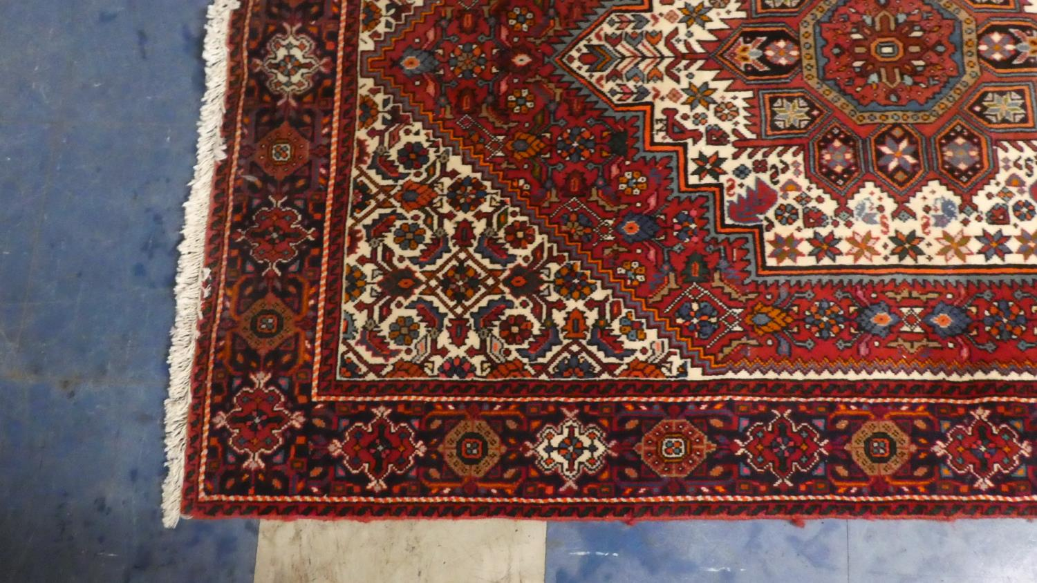 Lot 405 - A Fine Persian Hand Made Bidjar Rug. 149x104