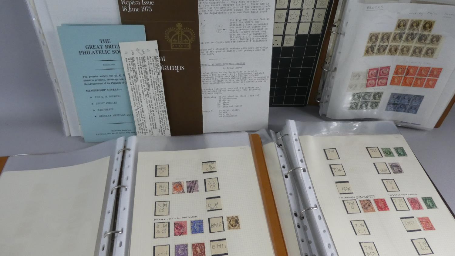 Lot 122 - A Collection of 3 Loose Leaf Binder containing Victorian Edwardian and Later Stamps together with