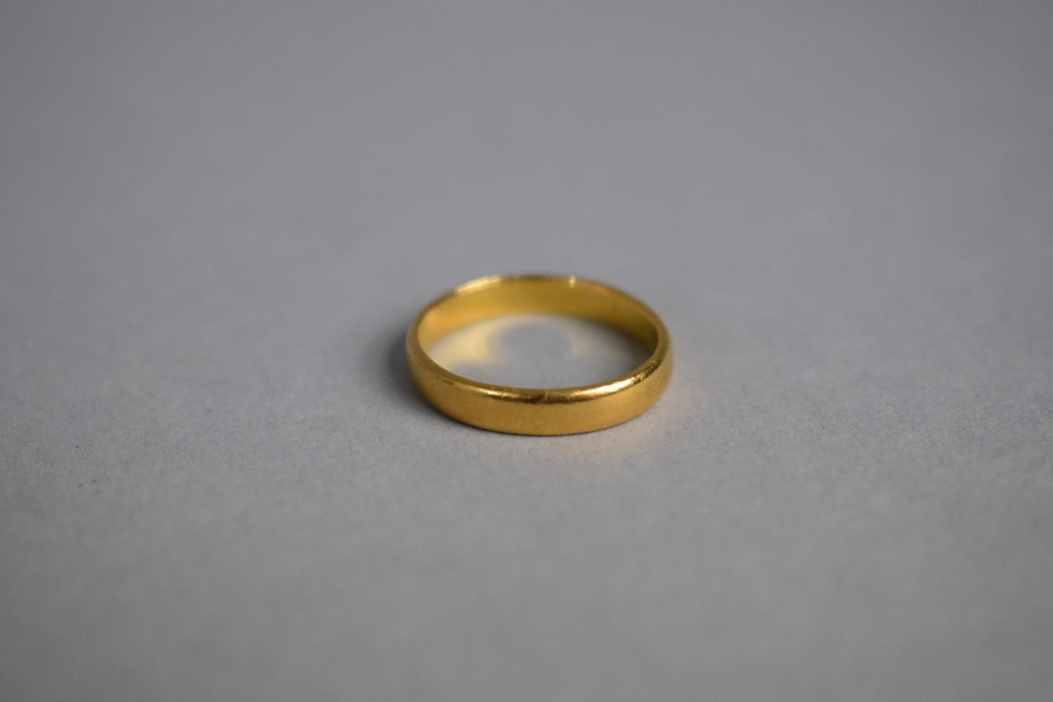 Lot 315 - A Small 22ct Gold Wedding Band, Size G, 2gms.