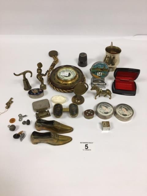Lot 5 - ASSORTED COLLECTABLES INCLUDING CHROME TOWER BRIDGE DESK CALENDAR, SMALL WALL BAROMETER, BRASS