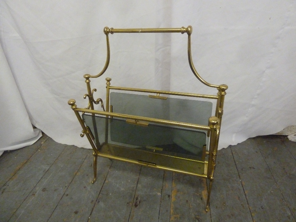 Lot 33 - A gilded metal and glass magazine rack with central carrying handle, A/F