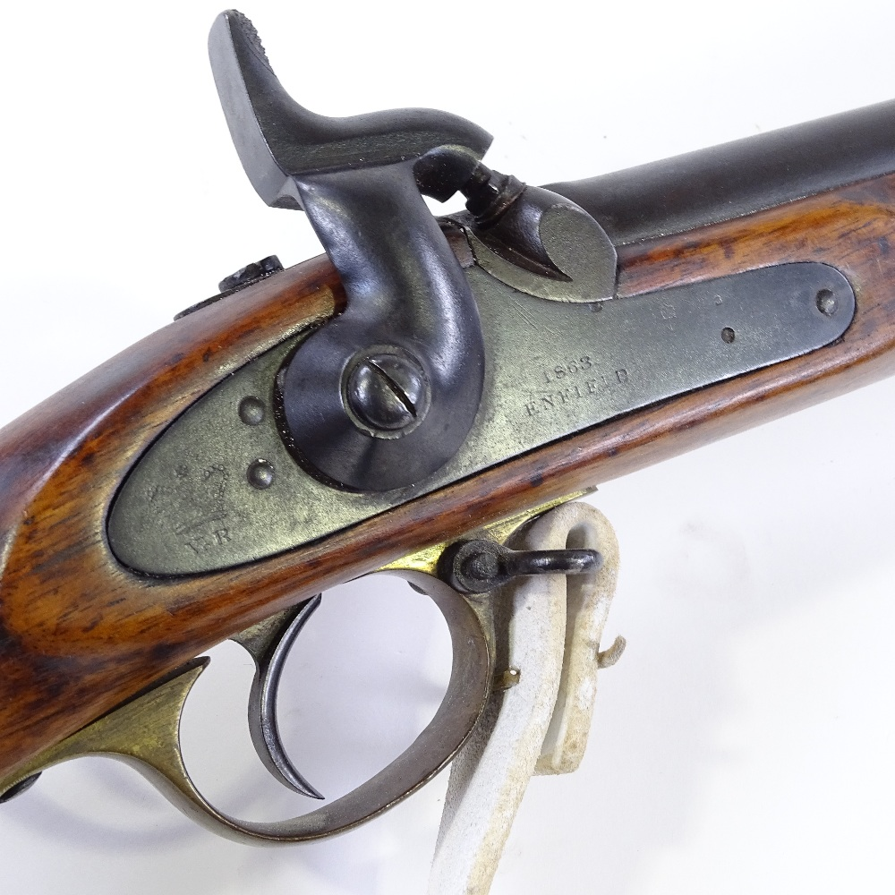 Lot 29 - An Enfield P53 1859 pattern smooth-bore rifle, with fixed rear sights, original bayonet and