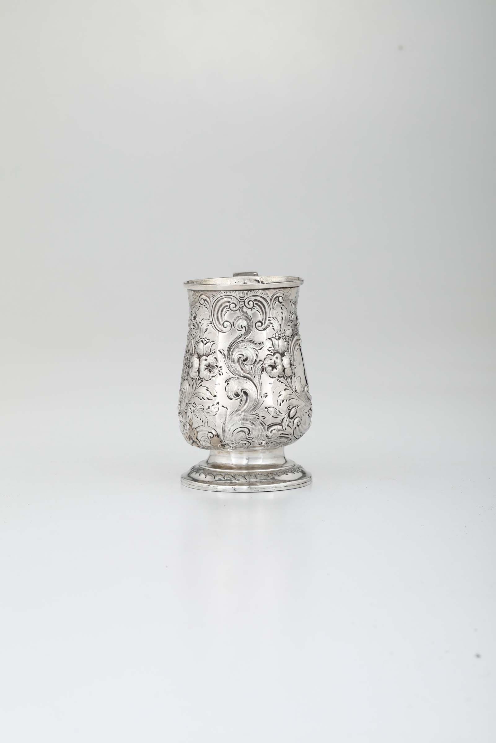 Lot 7 - A silver tankard, London, 1759 - H 13.3cm, 260gr -
