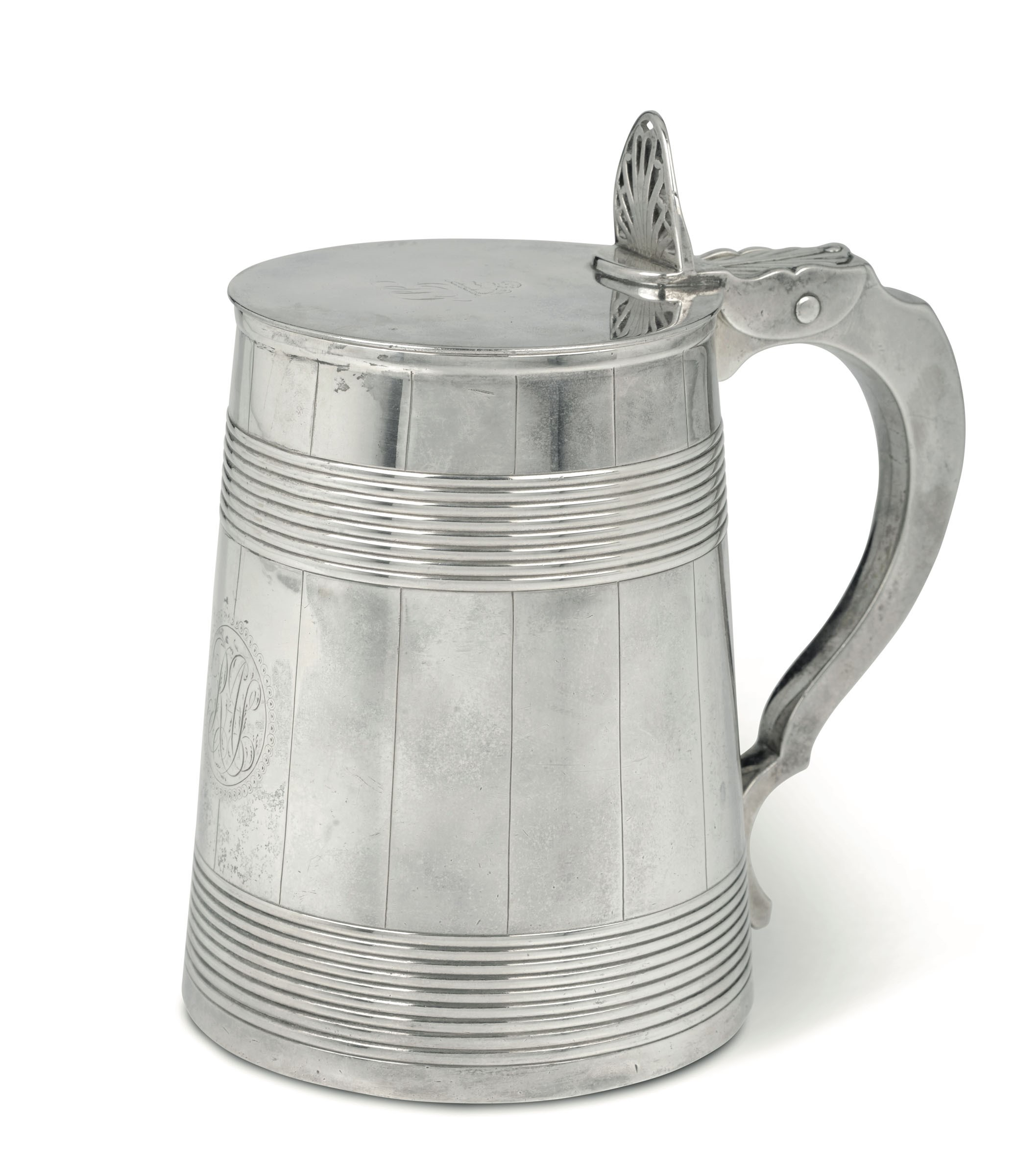 Lot 9 - A silver tankard, London, 1784 - Silversmiths Rich. Carter, Danile Smith and Robert [...]