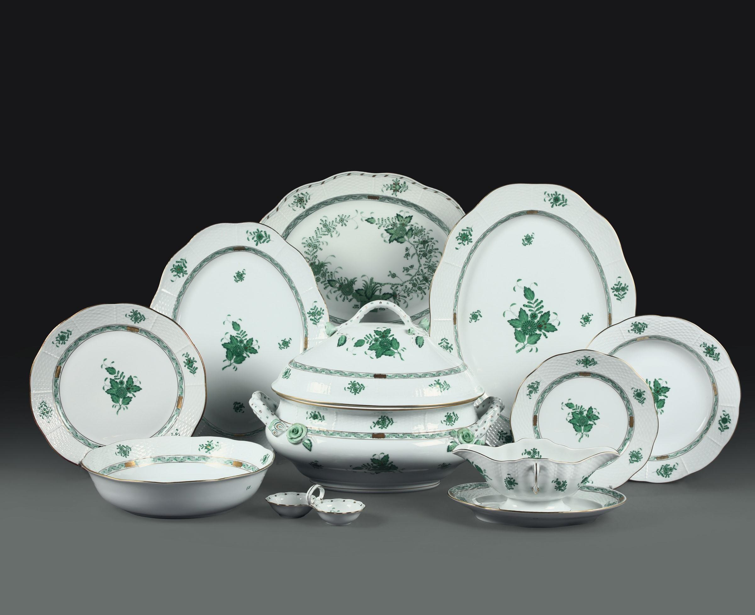 "Lot 54 - Servizio da tavola ""Apponyi-Green"" Herend, 1960-1970, - - Porcellana. Marca: [...]"
