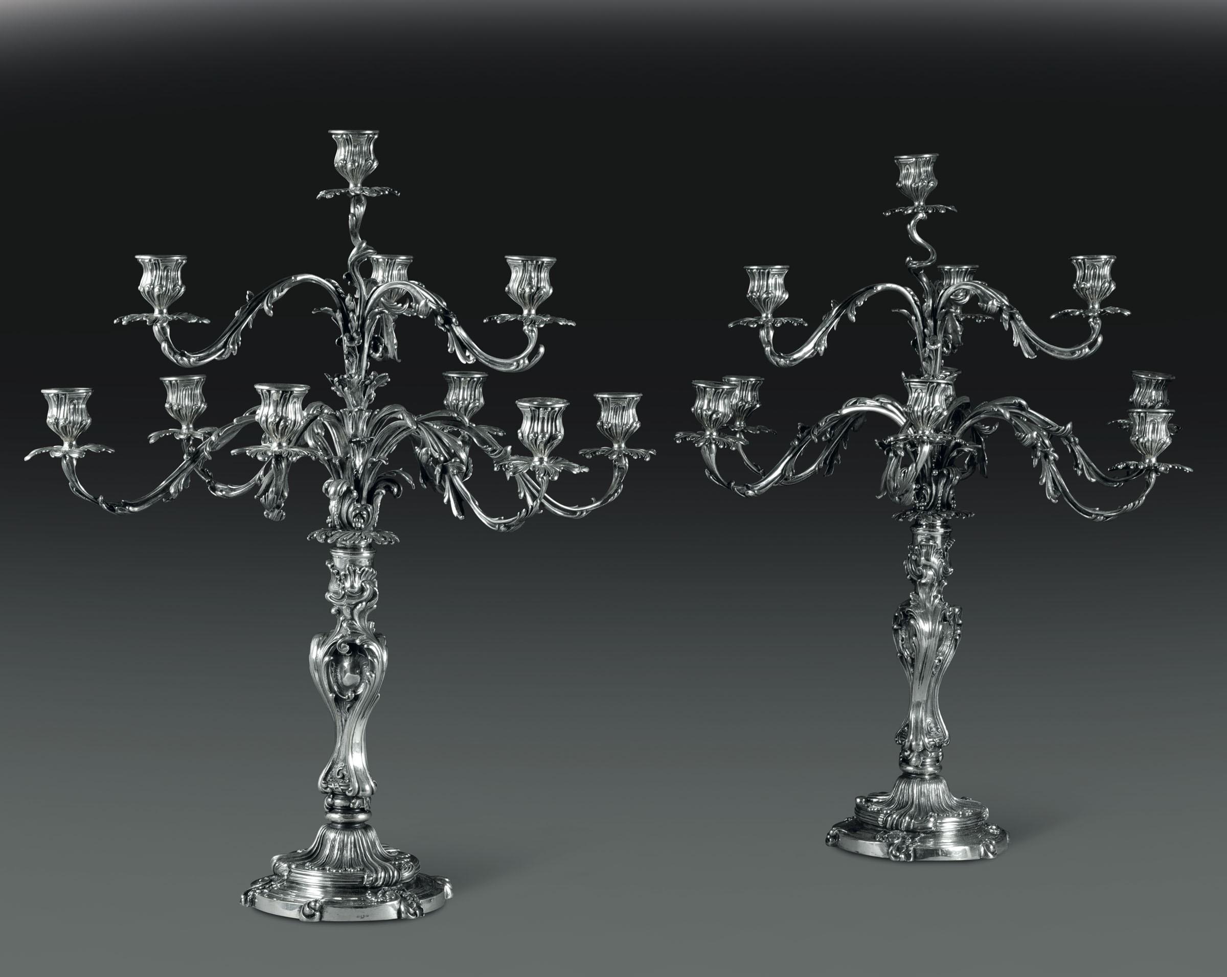 Lot 53 - Monumentale coppia di candelabri in argento a 10 luci. Argenteria artistica italiana. [...]